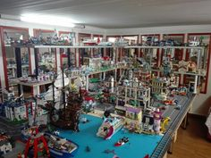 How to have an amazing Lego city. Step 1: imagine your own city in your mind and project its structure