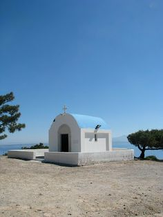Agios Mammas church in Kos Kos, Place Of Worship, Greek Islands, Places Ive Been, Blue And White, Mansions, House Styles, Window, Travel