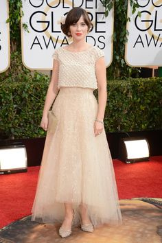 Zooey Deschanel turned heads in Oscar de la Renta | Golden Globes 2014