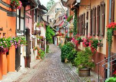 A list of 10 beautiful towns that should be on your bucket listto visit someday.