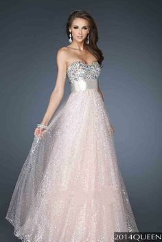 Shop long formal dresses and formal evening gowns at Simply Dresses. Women's formal dresses, long evening gowns, floor-length affordable evening dresses, and special-occasion formal dresses. Stunning Dresses, Beautiful Gowns, Pretty Dresses, Homecoming Dresses, Bridesmaid Dresses, Dress Prom, Prom Gowns, Dress Long, Pink Dress