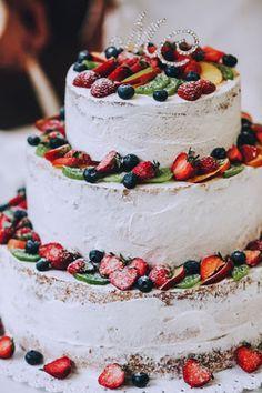 Дыхание бохо в цвете марсала, ягодный торт - The-wedding.ru