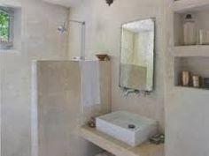 salle de bain revetement tadelakt blanc (enduit à la chaux oriental qui peut être une solution)