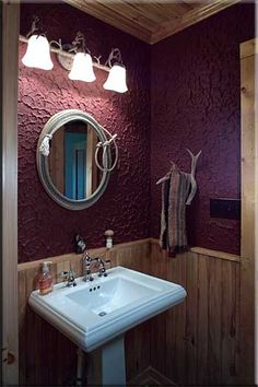 Rope mirror is awesome and so's the antler towel holder. I already have stuff to make these things!!