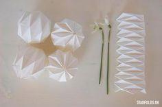 Smukke geometriske snebolde foldet i A4 papir, her er en udførlig monteringsvejledning og henvisning til den bedste foldevejledning.