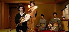 Geishas tachikata y geishas jikata. Lo mejor es el blog Japonismo. Para saber más hay que visitarlo!!