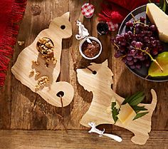 How cute are these Animal Cheese Boards with Spreader by Ellen DeGeneres ??  :-)