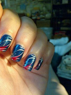 top-16-holiday-nail-designs-for-patriot-july-4th-new-famous-fashion-manicure (13)