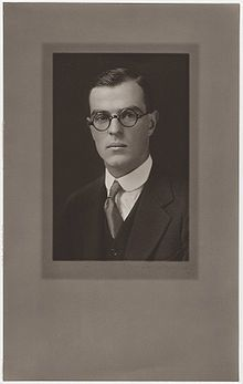 Thornton Wilder Yale graduation1920  looks like he lives in Our town No?