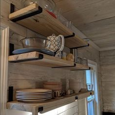 Shelf Brackets Industrial, Metal Shelves, Industrial Shelving Kitchen, Kitchens With Open Shelving, Rustic Wood Shelving, Industrial Kitchens, Bar Shelves, Industrial Furniture, Floating Shelves Kitchen
