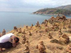 Praying in beautiful #thailand #viajar #wanderlust #Buddha #phuket