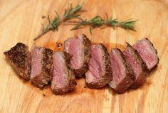 Pour le souper de ce soir: un bon steak au beurre à l'ail! Délicieux! - Recettes - Ma Fourchette