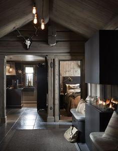 〚 Modern chalet with moody dark interiors in Norway 〛 ◾ Photos ◾Ideas◾ Design Dark Interiors, Cottage Interiors, Beautiful Interiors, Cabin Homes, Log Homes, Norway House, Contemporary Cabin, Contemporary Interior, Decor Interior Design