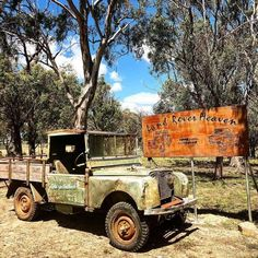 Land Rover Serie 1, Land Rover Defender, 4x4, Bmw Cafe Racer, Station Wagon, Car Photos, Range Rover, Landing, Classic Cars