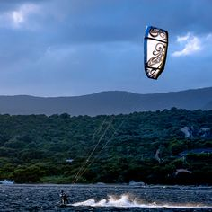 The best way to start a day ! Kite Board, Kitesurfing, Boarders, Water Sports, Projects, Log Projects, Blue Prints, Sea Sports