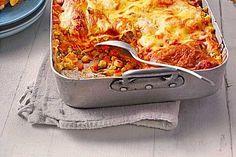 Bunte Gemüselasagne mit Aubergine, Zucchini, Möhren und Käse