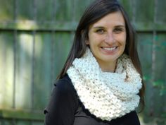 Free Chunky Knit Cowl Pattern- can use tunisian moss stitch instead of knitting