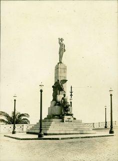Monumento a Castro Alves : Salvador, BA - [19--] Copacabana Beach, Statue Of Liberty, Old Photographs, Old Pictures, Brazil, City, El Salvador, Statue Of Liberty Facts, Statue Of Libery
