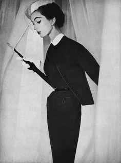 Dovima photo Horst P. Horst 1953