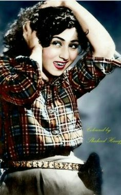 Evergreen real beauty of beautiful Madhubala Bollywood Heroine, Bollywood Cinema, Bollywood Photos, Bollywood Stars, Bollywood Fashion, Bollywood Actress, Indian Celebrities, Bollywood Celebrities, Most Beautiful Indian Actress