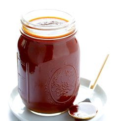 My favorite homemade BBQ sauce recipe! It's super easy, sweet, smoky, tangy, and uses homemade tomato sauce not ketchup. Homemade Bbq Sauce Recipe, Smokey Bbq Sauce Recipe, Kansas City Bbq Sauce Recipe, Tangy Bbq Sauce Recipe, Vegan Bbq Sauce, Barbecue Sauce Recipes, Vegan Sauces, Do It Yourself Food, Salsa Dulce