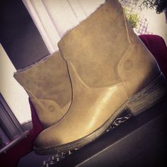 Lammylined short leather Fred de la Bretoniere boots, instagram by @mikaelarebekka