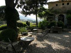 Esődepi ellen: Provence-i szépség Provence Style, Outdoor Living, Outdoor Decor, French Country Style, South Of France, Country Decor, Decor Styles, Louvre, Exterior