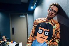 American rapper and singer-songwriter Logic has released a new song featuring Canadian singer-songwriter Alessia Cara and American singer-songwriter Khalid. Logic Rapper Wallpaper, Robert Bryson Hall, Young Sinatra, Love And Logic, Cute Celebrities, Celebs, American Rappers, Tumblr, News Songs