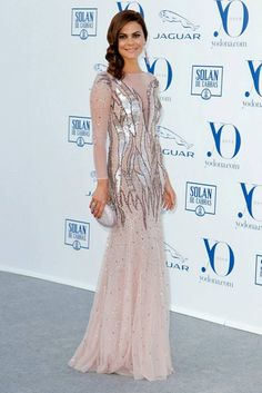 On the occasion of Yo Dona magazine International Awards, Tv host María José Suárez wore a silk tulle sequined gown from the Blumarine Fall Winter collection. Jaguar, Maria Jose, Awards, Tulle, Gowns, Silk, Formal Dresses, Celebrities, How To Wear