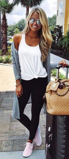 women's white tank top, and black yoga pants leggings ideas, casual leggings outfit summer, nike pants leggings Mode Outfits, Casual Outfits, Fashion Outfits, Women's Casual, Sneakers Fashion, Sneakers Style, Fashion Clothes, Fashion Ideas, Black Outfits