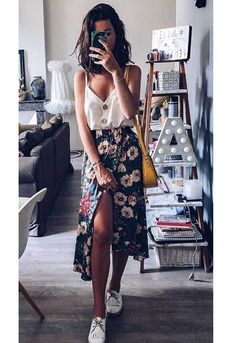 Easy Summer Outfits Floral Midi Skirt Summer Outfit Style Source by summer outfits casual Simple Summer Outfits, Summer Fashion Outfits, Summer Outfits Women, Spring Outfits, Casual Outfits, Cute Outfits, Style Summer, Easy Outfits, Fashion Dresses