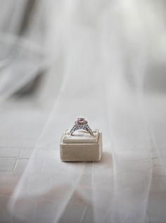 Would you wear this gorgeous morganite engagement ring? Dream Engagement Rings, Morganite Engagement, Jewelry Stores, Jewels, Jewerly, Gemstones, Fine Jewelry, Gem, Jewelery