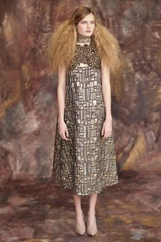 Tia Cibani | Pre-Fall 2015 | Look 1 The inspiration from Gustav Klimt is clear and I love it!