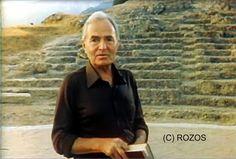 O James Mason στο θέατρο Αρχαίας Αιγείρας το καλοκαίρι τού 1980.  Ήταν, αδιαμφισβήτητα το γεγονός του καλοκαιριού τού 1980. Πώς να μην ήταν άλλωστε, αφού μια Αγγλική υπερπαραγωγή διάρκειας 4 ωρών, γυρίστηκε σχεδόν ολόκληρη στην περιοχή μας!  Πρόκειται για το δραματοποιημένο ντοκιμαντέρ με θέμα τη ζωή τού Μεγαλέξανδρου, οι σημαντικότερες σκηνές του οποίου γυρίστηκαν στο Αρχαίο Θέατρο και το Παλιόκαστρο, στην Παναγία της Βεργουβίτσας (Μοναστήρι), στις εκβολές του Κράθη κλπ.