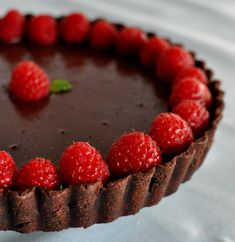 *Grain-Free Decadent Chocolate Tart* - Vegan - Gluten-Free - Refined Sugar Free -This silky, wholesome dessert will satisfy your sweet tooth without the sugar crash afterwards. Vegan Desserts, Just Desserts, Dessert Recipes, Dessert Blog, Decadent Chocolate, Vegan Chocolate, Chocolate Tarts, Chocolate Recipes, Chocolate And Raspberry Tart