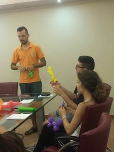 Corso di Balloon Art organizzato dal nostro animatore Andrea presso la Heltic Clinic, per i futuri Clown-terapisti; )