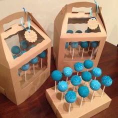 Cake Pop Stands with Covers - Toys for years old happy toys Cake Pop Boxes, Cake Pop Stands, Cupcake Boxes, Box Cake, Diy Cake Pop Stand, Cake Boxes Packaging, Dessert Packaging, Bakery Packaging, Packaging Ideas