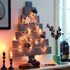 Weihnachtsbaum basteln: Bebilderte Anleitung für einen originellen Weihnachtsbaum aus Holz. Mit Tipps zum Bauen, Lackieren und Dekorieren.
