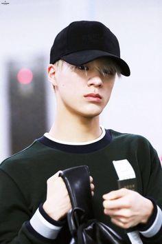 So handsome 😍😍😍 Nct 127, Lucas Nct, Jeno Nct, Nct Taeyong, Winwin, Jaehyun, Wattpad, Hey Baby Girl, Fanfiction