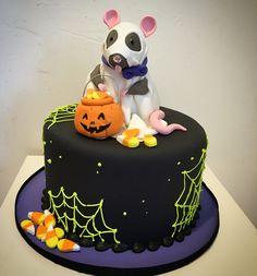 HALLOWEEN CAKES WITH RATS | Halloween Treats | Blog.OakleafCakes.com