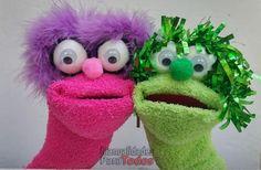 Una idea alegre y súper divertida para hacer con lo niños: Títeres hechos con calcetines.