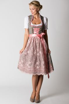 #Farbbberatung #Stilberatung #Farbenreich mit www.farben-reich.com Midi Dirndl Henriette, grün/rosa