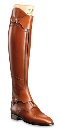 Franco Tucci Classic riding boots, custom made equestrian boots Made in Italy. Tailored leather boots with a traditional equestrian style.