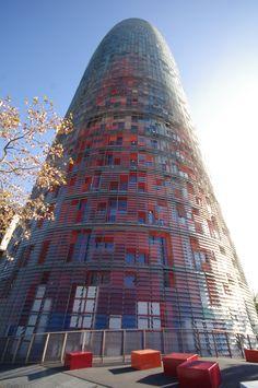 Torre Agbar, Jean Nouvel, El Parc i la Llacuna del Poblenou