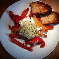 @healthy_juliana #sun is in the #plate !!! #peppers with #goat #cheese and #seeds everything #organic with #toasted #poilane