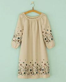 pindot/ホームクチュール/ワンピースそのまま着ても、重ねて着ても Japanese Sewing Patterns, Dress Sewing Patterns, One Piece Dress Design, Simple Dress Pattern, Simple Gowns, Style Japonais, Style Simple, Striped Dress, Fashion Dresses