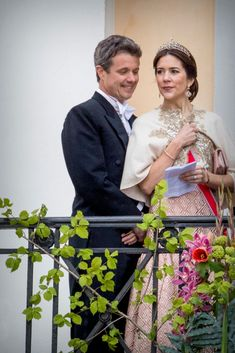 Crown Prince Frederik and Crown Princess Mary of Denmark attend the official Gala dinner at the Royal Palace on May 9 2017 in Oslo Norway King Harald. Crown Princess Mary, Princess Madeleine, Crown Princess Victoria, Prince And Princess, Mary Of Denmark, Denmark Royal Family, Danish Royal Family, Princesa Mary, Royal Tiaras