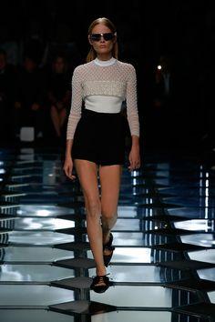 Balenciaga Spring 2015 RTW – Runway – Vogue #pfw #style