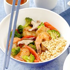 Shrimp and Scallop Vegetable Stir-Fry This seafood stir-fry is bursting with flavor and it's ready in 30 minutes! Seafood Recipes, Dinner Recipes, Fish Recipes, Lunch Recipes, Salad Recipes, Recipies, Seafood Stir Fry, Stir Fry Recipes, Healthy Recipes