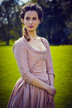 Elizabeth Chynoweth Poldark portrayed by Heida Reed. #Poldark (2015) #WinstonGraham #PoldarkPBS